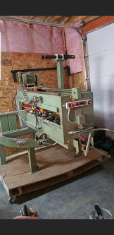 1985 Midwest coutertop saw with routers  ,
