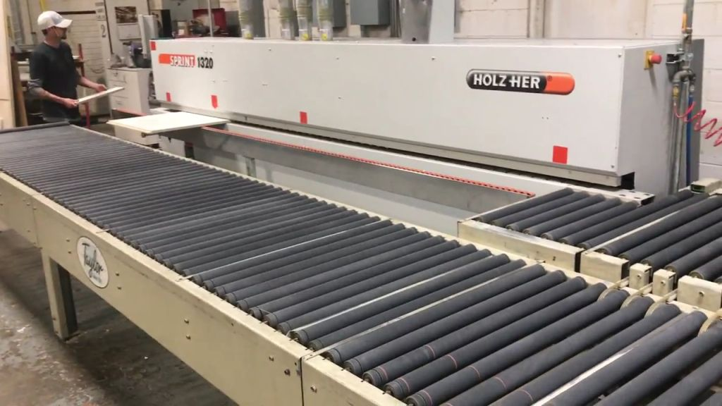 Holz-Her Sprint 1320 with Return Conveyor, 2008<BR><FONT COLOR=RED><B>JUST RECENTLY REDUCED</B></FONT>